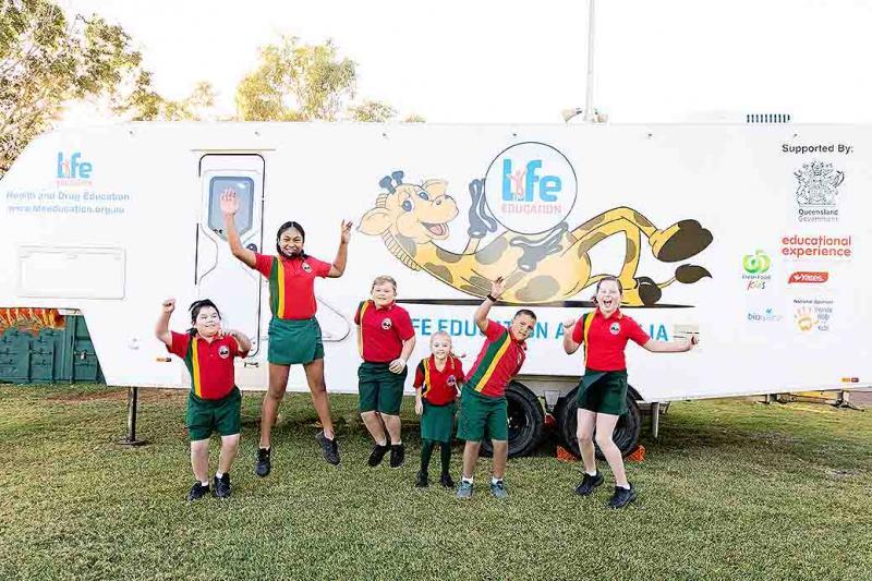 Life Education Queensland Healthy Harold Van In Mt Isa With Kids