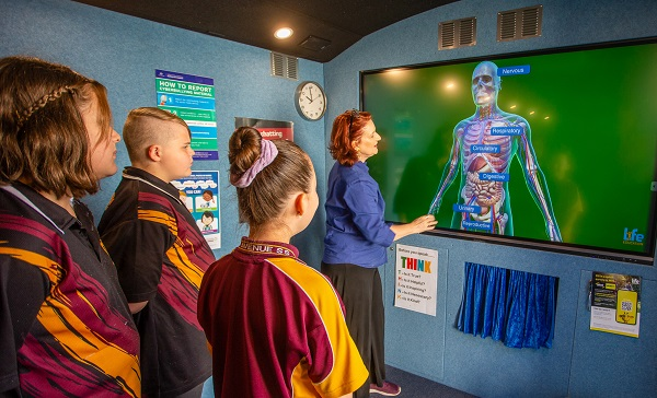 Life Education Queensland Healthy Harold Cq Mobile Learning Centre